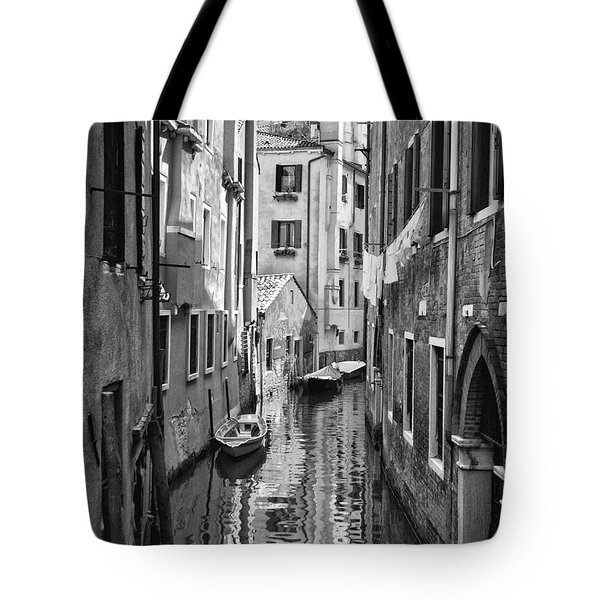 Venetian Alleyway Tote Bag by William Beuther