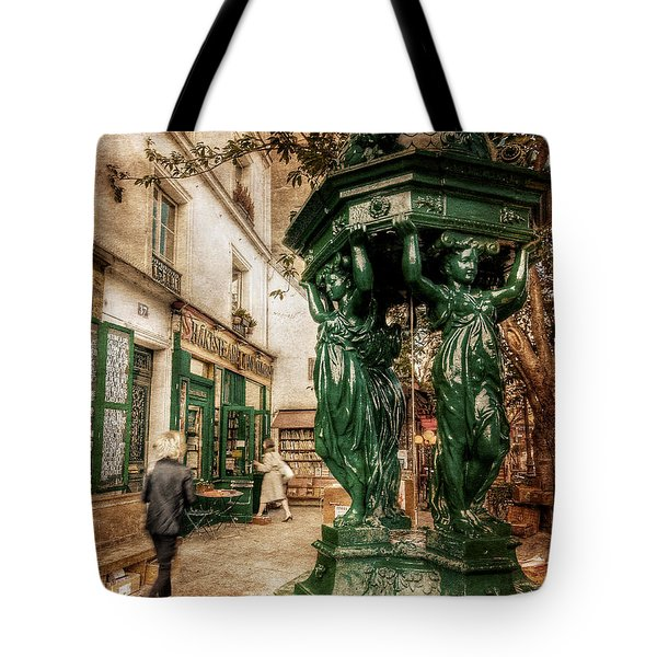 Wallace Fountain By Shakespeare And Co / Paris Tote Bag