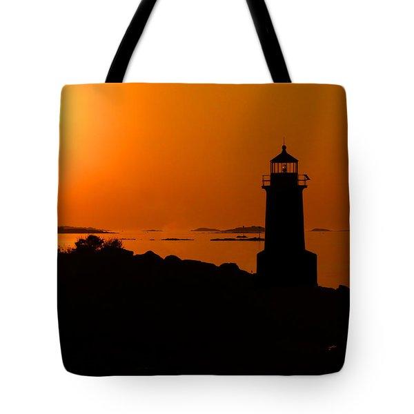 Winter Island Lighthouse Sunrise Tote Bag