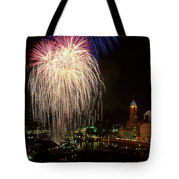 21l106 Red White And Boom Fireworks Photo Tote Bag