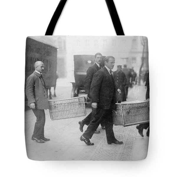 Tote Bag featuring the photograph Germany Inflation, 1923 by Granger