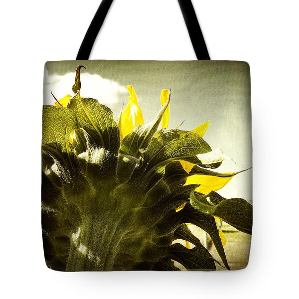 Sunflower Tote Bag by Les Cunliffe