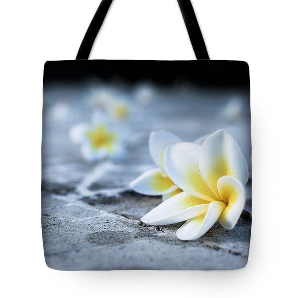 Plumaria Flowers Tote Bag