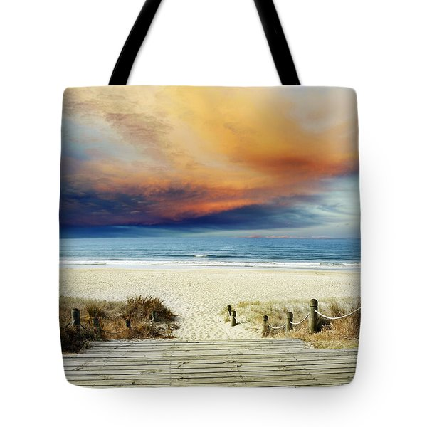 Beach View Tote Bag by Les Cunliffe