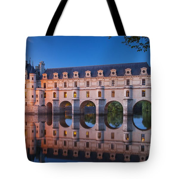 Tote Bag featuring the photograph Chateau Chenonceau by Brian Jannsen