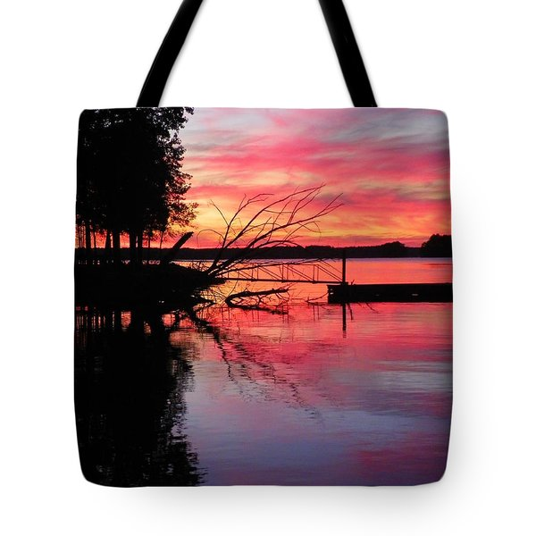 Tote Bag featuring the photograph Sunset 9 by Lisa Wooten