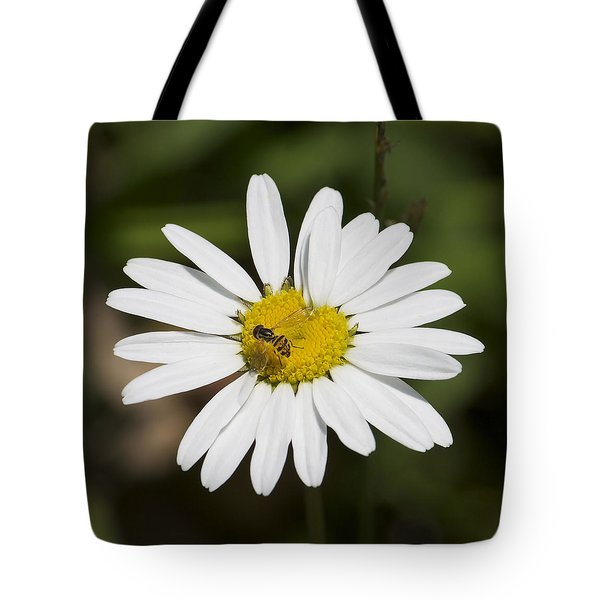 A Daisy Lunch Tote Bag