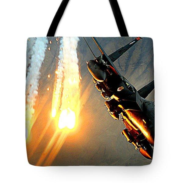 A F-15e Launching Heat Decoys Tote Bag