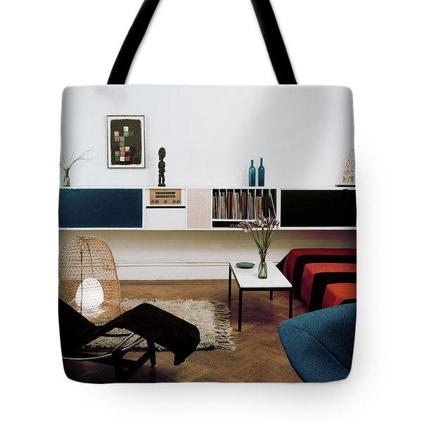 A Living Room With A Le Corbusier Chair Tote Bag