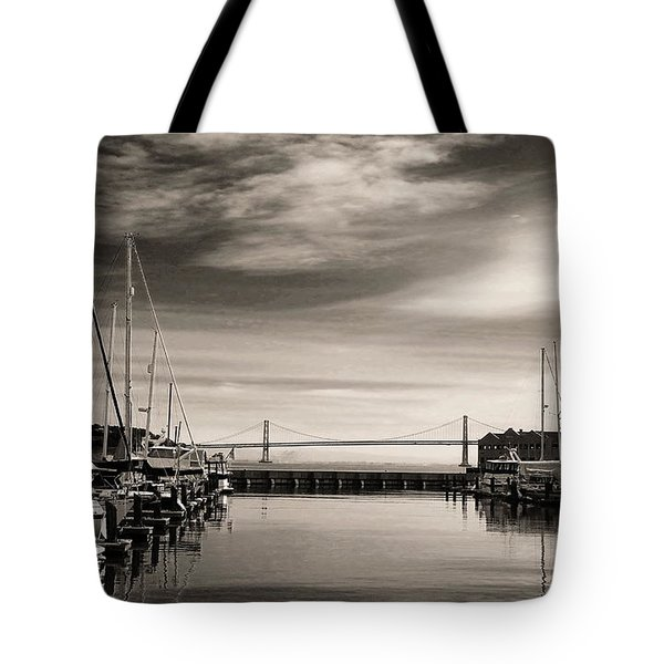 A Moment Of Silence In The City Tote Bag