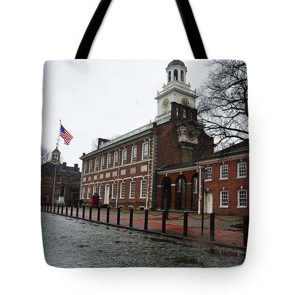 A Rainy Day At Independence Hall Tote Bag by Bill Cannon