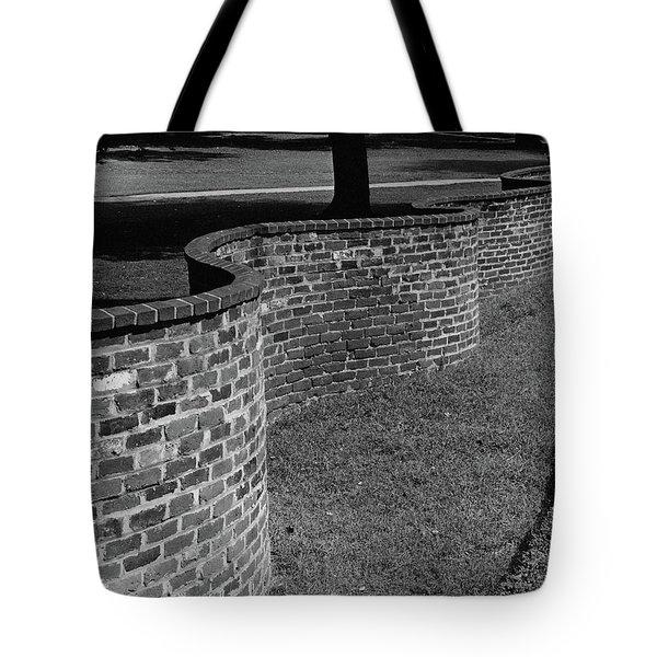 A Serpentine Brick Wall Tote Bag