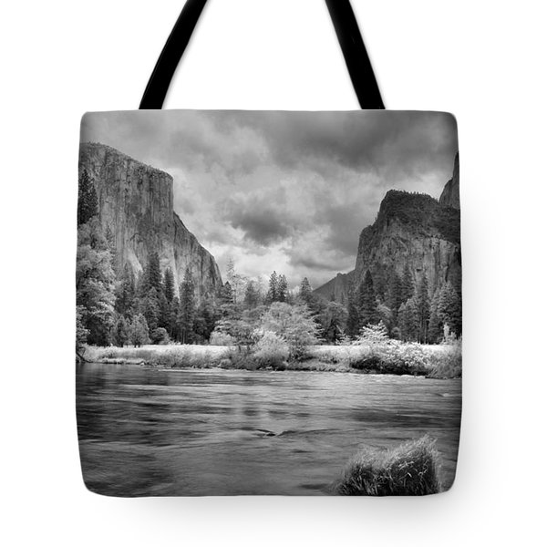 A Storm Draws Near - Black And White Tote Bag by Lynn Bauer
