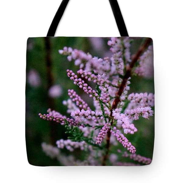 Tote Bag featuring the photograph A Very Good Day by Elizabeth Sullivan