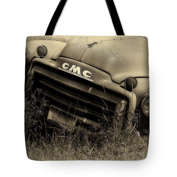 A Weather-beaten Classic Tote Bag