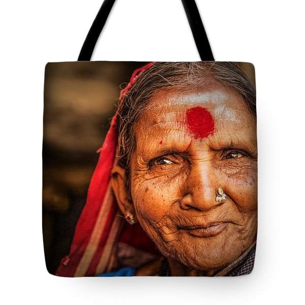 A Woman Of Faith Tote Bag