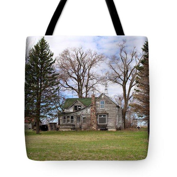 Abandoned Minnesota Farmhouse Tote Bag by Suzanne Lorenz