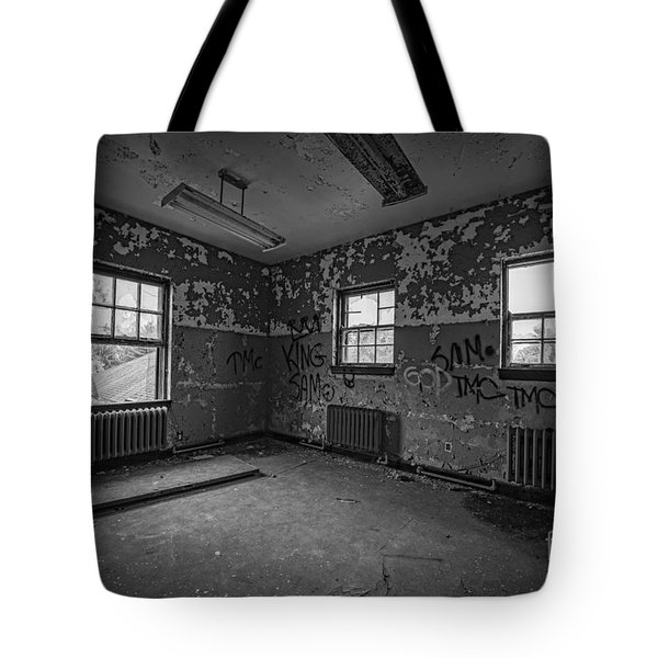 Abandoned Room At Letchworth Bw Tote Bag