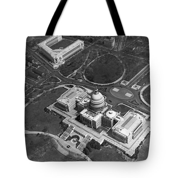 Aerial View Of U.s. Capitol Tote Bag by Underwood Archives