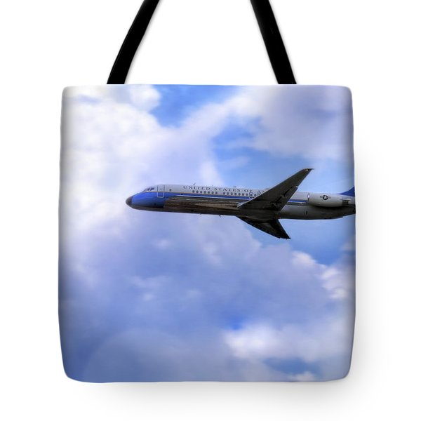 Air Force One - Mcdonnell Douglas - Dc-9 Tote Bag by Jason Politte