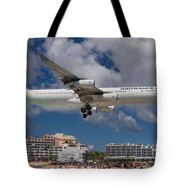 Air France Landing At St. Maarten Tote Bag