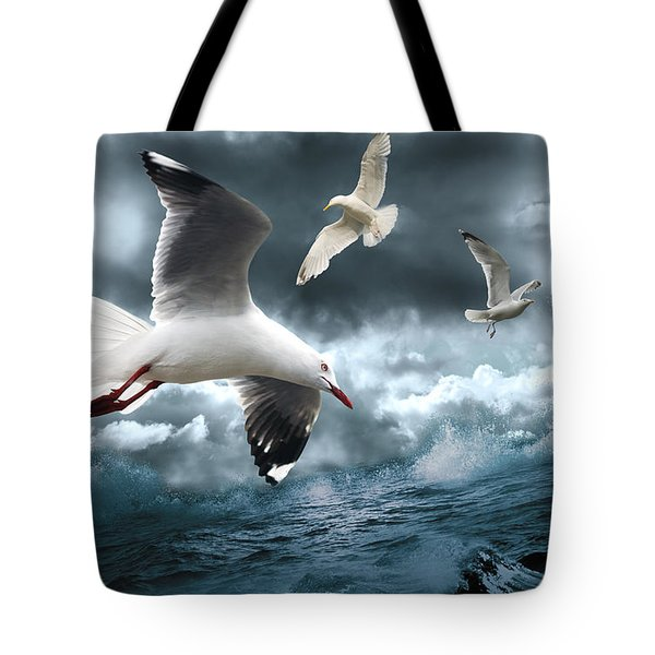 Albatross Tote Bag by Linda Lees