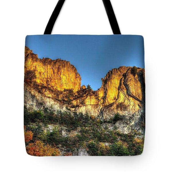 Alpenglow At Days End Seneca Rocks - Seneca Rocks National Recreation Area Wv Autumn Early Evening Tote Bag