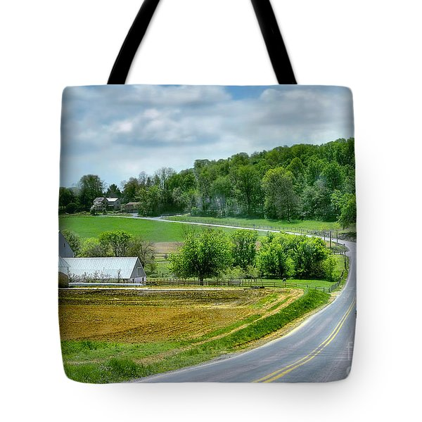 Amish Countryside Tote Bag