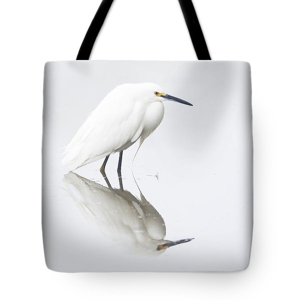 An Egret And An Overcast Day Tote Bag