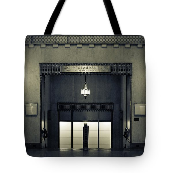 An Elegant Escape - Chicago Tote Bag