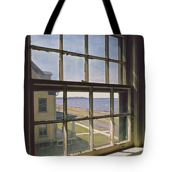 Tote Bag featuring the photograph An Insider's Look At The Hook by Gary Slawsky