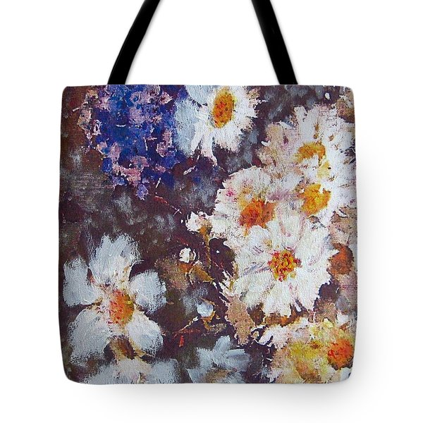 Another Cluster Of Daisies Tote Bag