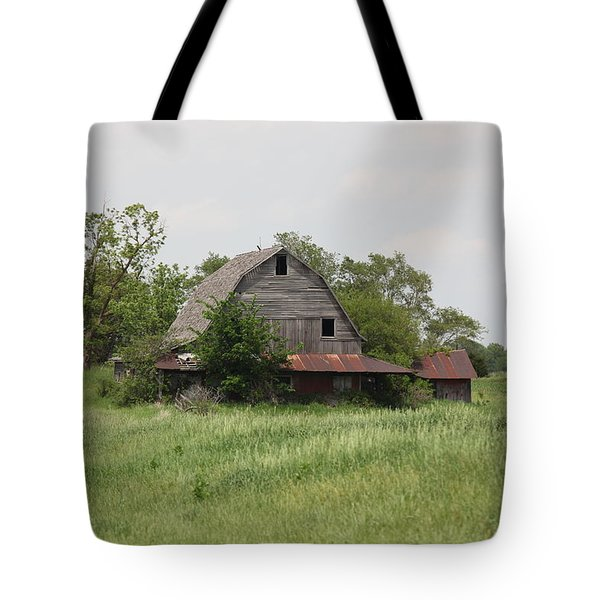 Another Missouri Barn Tote Bag