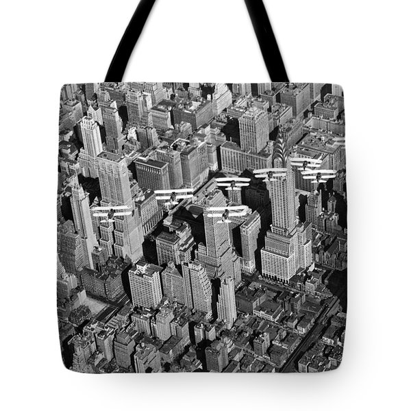 Army Air Corp Over Manhattan Tote Bag by Underwood Archives
