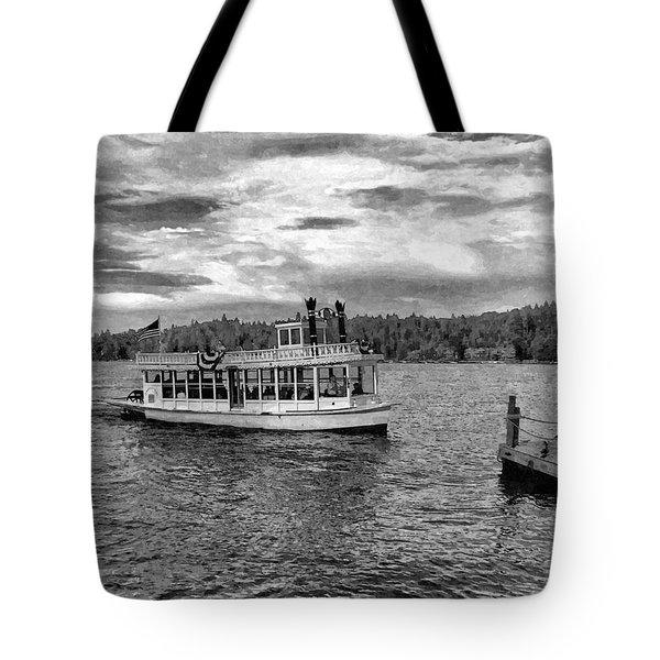 Arrowhead Queen Paddlewheel Boat Tote Bag
