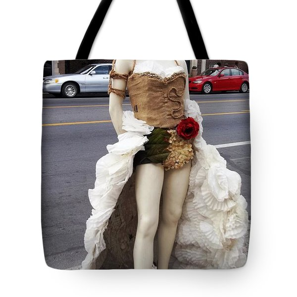 Tote Bag featuring the photograph Artwork In The Loop by Kelly Awad