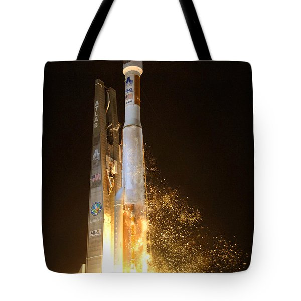 Tote Bag featuring the photograph Atlas V Rocket Taking Off by Science Source