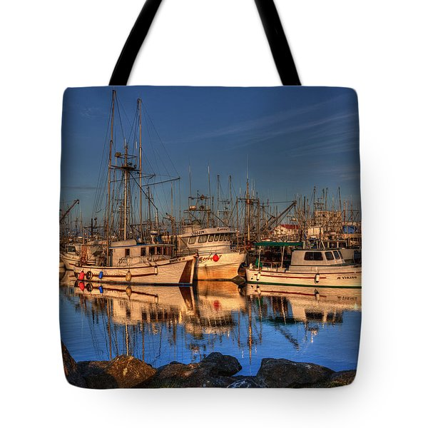 Autumn Light Tote Bag by Randy Hall