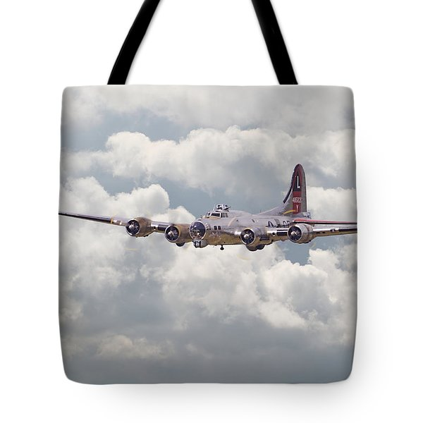 B17- Yankee Lady Tote Bag by Pat Speirs