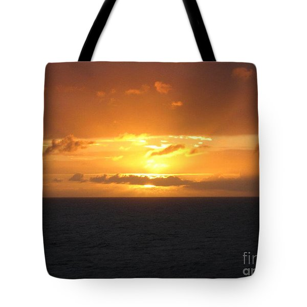 Tote Bag featuring the photograph Bahamas Ocean Sunset by John Telfer