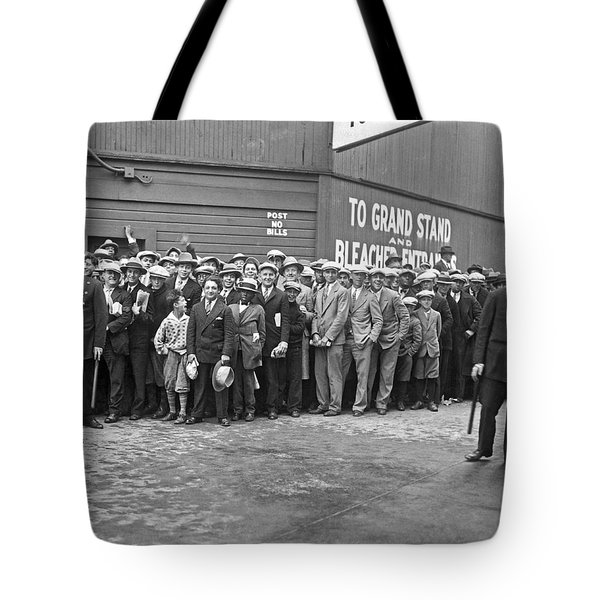 Baseball Fans Waiting In Line To Buy World Series Tickets. Tote Bag by Underwood Archives