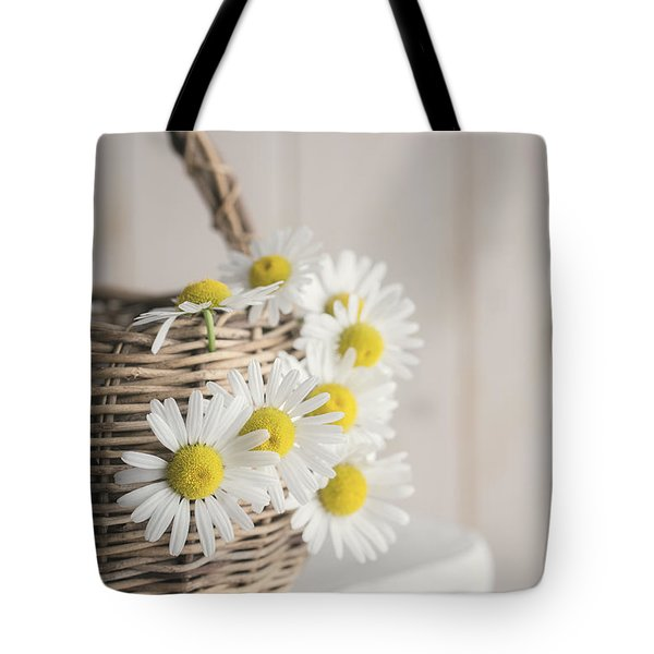 Basket Full Of Summer Daisys Tote Bag