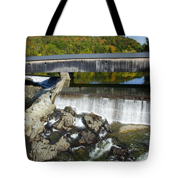 Bath Haverhill Covered Bridge In Autumn Tote Bag