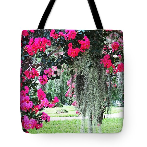 Baton Rouge Louisiana Crepe Myrtle And Moss At Capitol Park Tote Bag