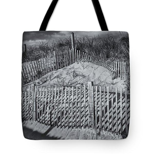 Beach Fence Bw Tote Bag by Susan Candelario
