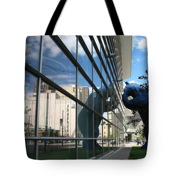 Bear Looking In Tote Bag