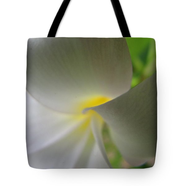 Tote Bag featuring the photograph Beauty by Beth Vincent