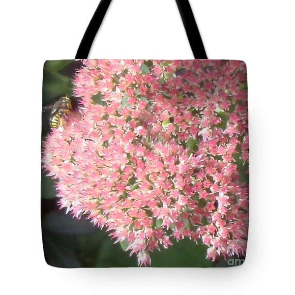 Bee Climbing Tote Bag