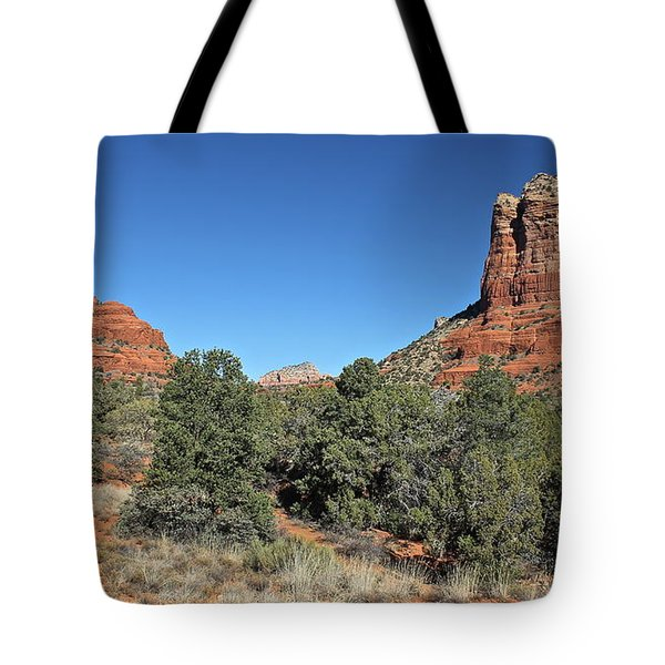 Tote Bag featuring the photograph Bell Rock And Courthouse Butte by Penny Meyers
