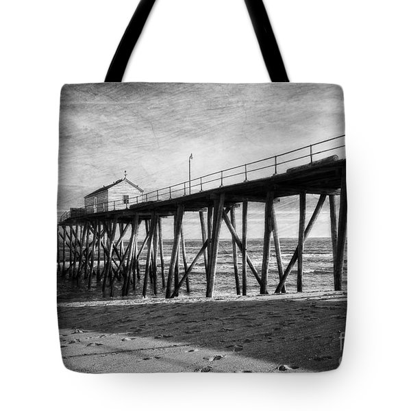 Tote Bag featuring the photograph Belmar Fishing Pier In Black And White by Debra Fedchin